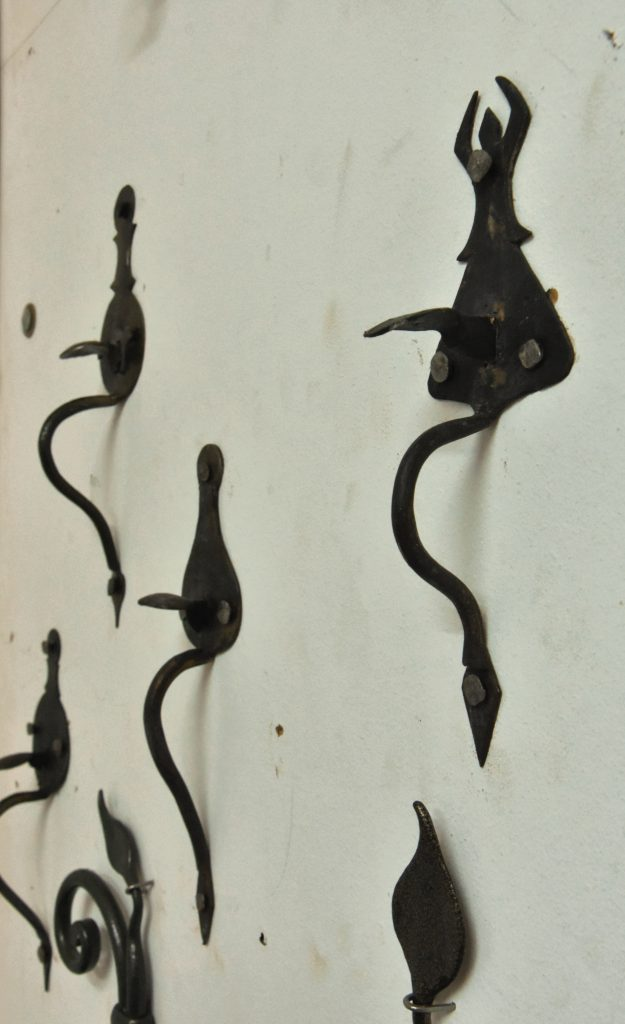 maniglie antiche ferro battuto